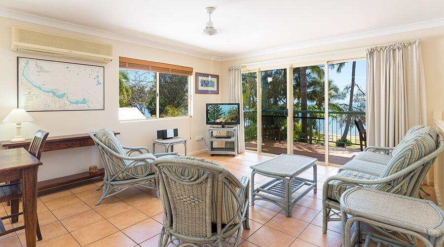 Living-area-two-bedroom-beachfront-3 (1)